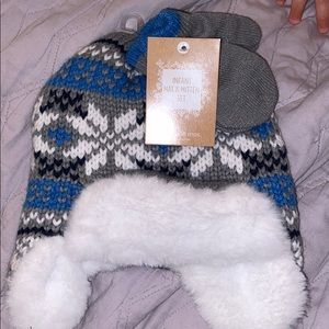 Other - Baby boy hat and mitten set